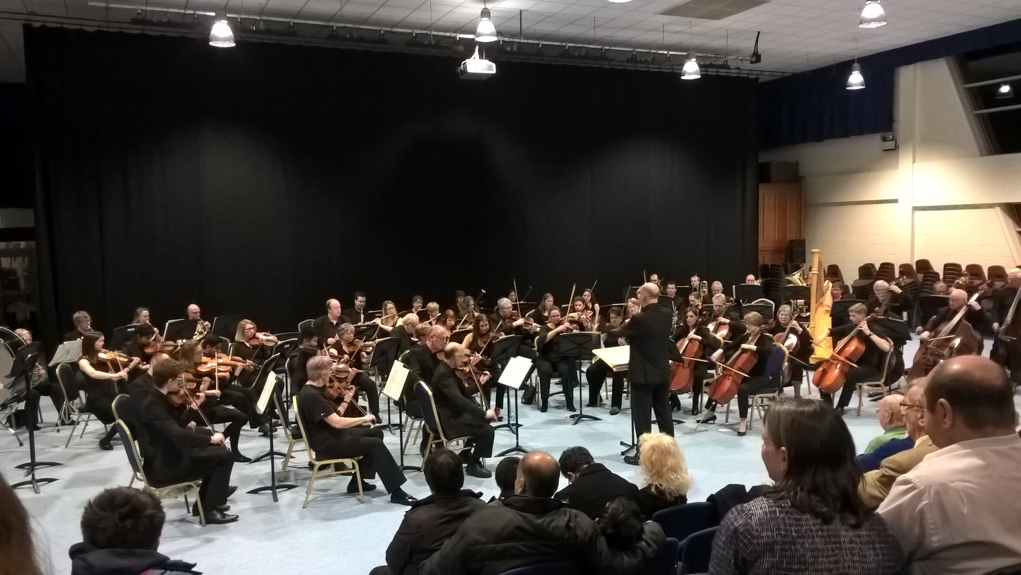 Young Leicester Grammar School players featured in Bardi's 2017 LGS Concert
