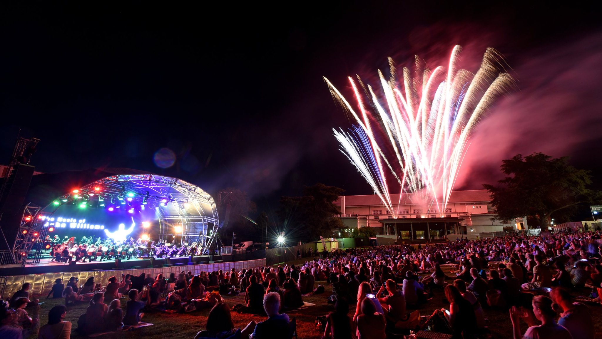 The Bardi Symphony Orchestra concludes 'Gigs in the Gardens' with a Movie and Musicals spectacular!